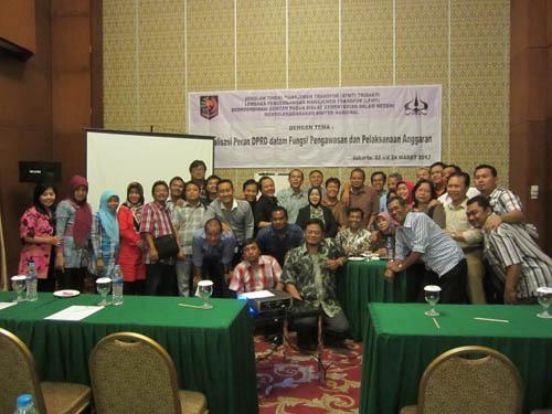 nara sumber bersama anggota DPRD Kota SMG